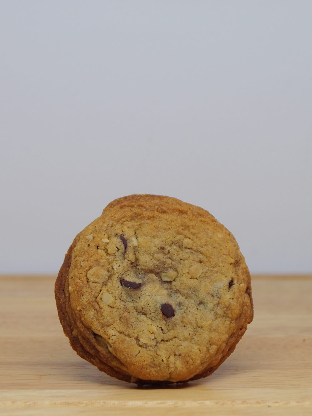 Oatmeal Chocolate Chip Cookie Single